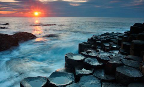 Toeren langs een van de meest onvoorstelbare kusten ter wereld