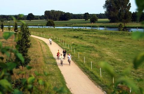 De Ems Radweg: rivier-fietsroute net over de grens