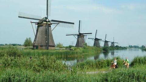 Op de fiets langs de Rijn en bekijk Nederland met andere ogen