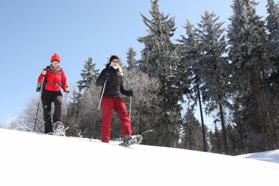 13_04_Schneeschuh-Schooting09 Erzgebirge Foto K.H+ñertel (900x600)
