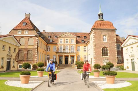 100 kastelen langs één fietsroute?