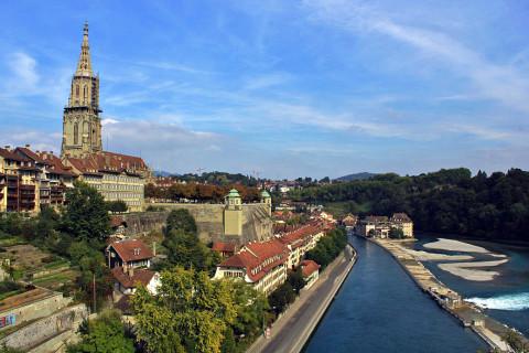 Met de rivier mee naar het historische hart van Bern