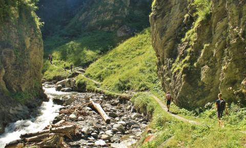 Topper in Tirol: Wandeling door de Radurschlklamm