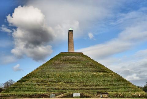 Herfstwandelen met de kinderen rond Pyramide van Austerlitz