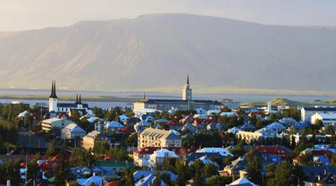Wandelen op Reykjaviks stadsberg 'Esja'