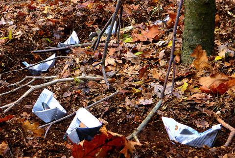 Een kunstzinnige winteractiviteit in het bos