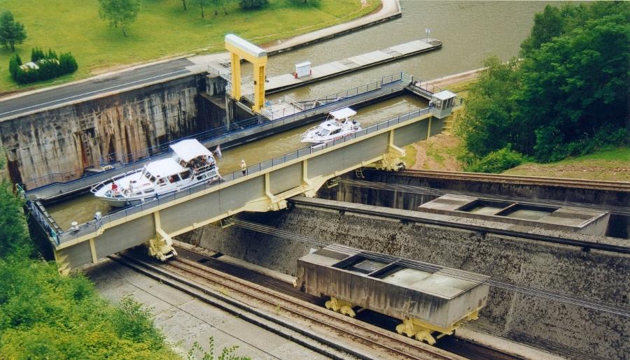 De spectaculaire scheepslift van Saint Louis Arzviller (foto Wikimedia)