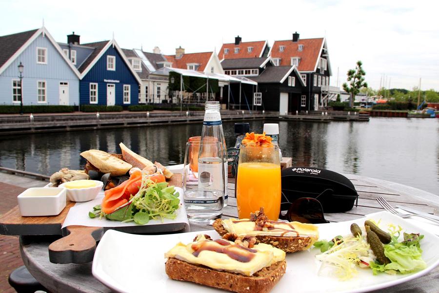 Cornelisz-lunch-aan-de-have