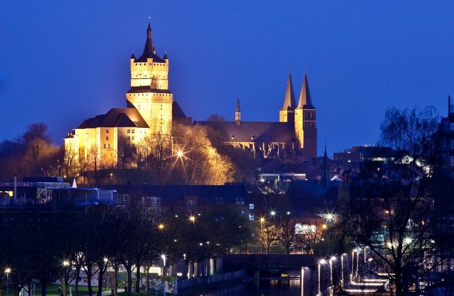 Schwanenburg_der_Stadt_Kleve (900x588)