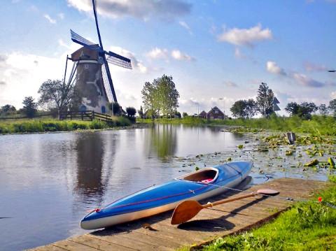 Met de kano over kleine Hollandse riviertjes in de Krimpenerwaard