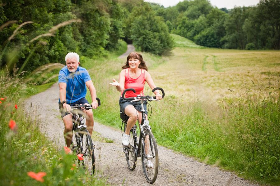RadfahrerpaarSaaleradweg