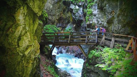 Zo spannend zijn de tochten door de kloven van Tirol