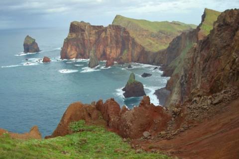 Een wandeling over de ruige kant van Madeira