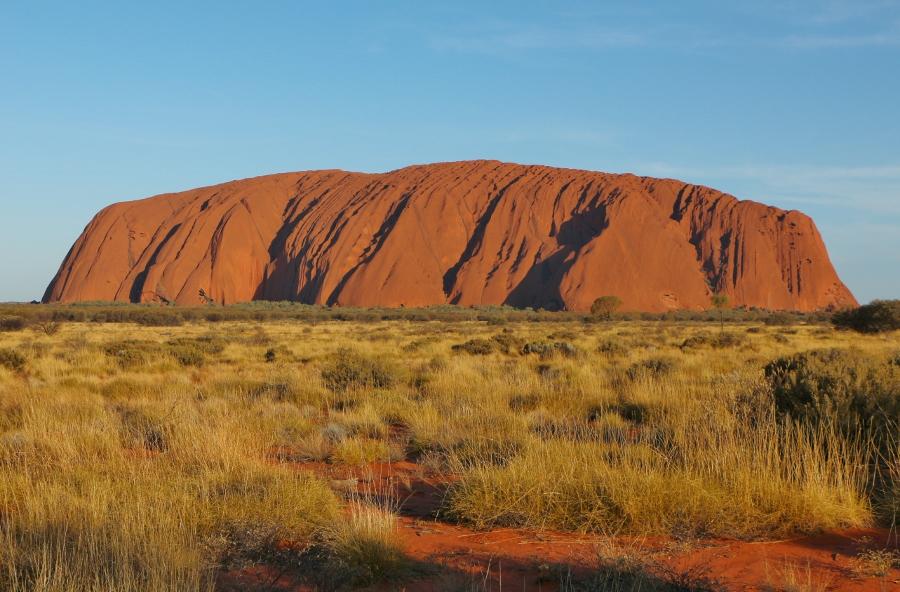 IMG_0014 Uluru (900x592)