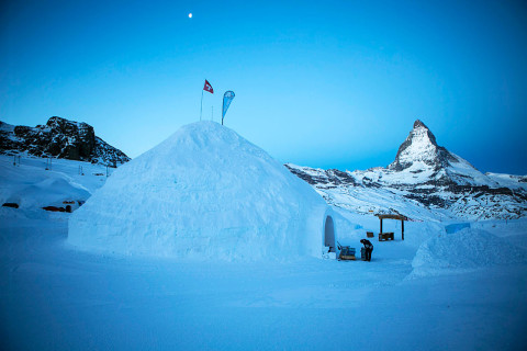 Grootste Iglo ter wereld met uitzicht op Matterhorn