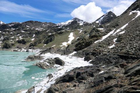 Huttentocht Dolomieten Val di Sole met sneeuwvelden