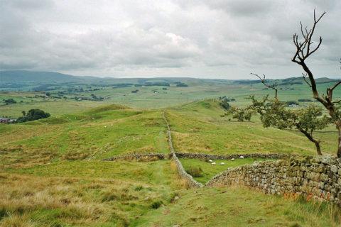 Van kust naar kust over de historische Engelse 'Hadrians Wall'