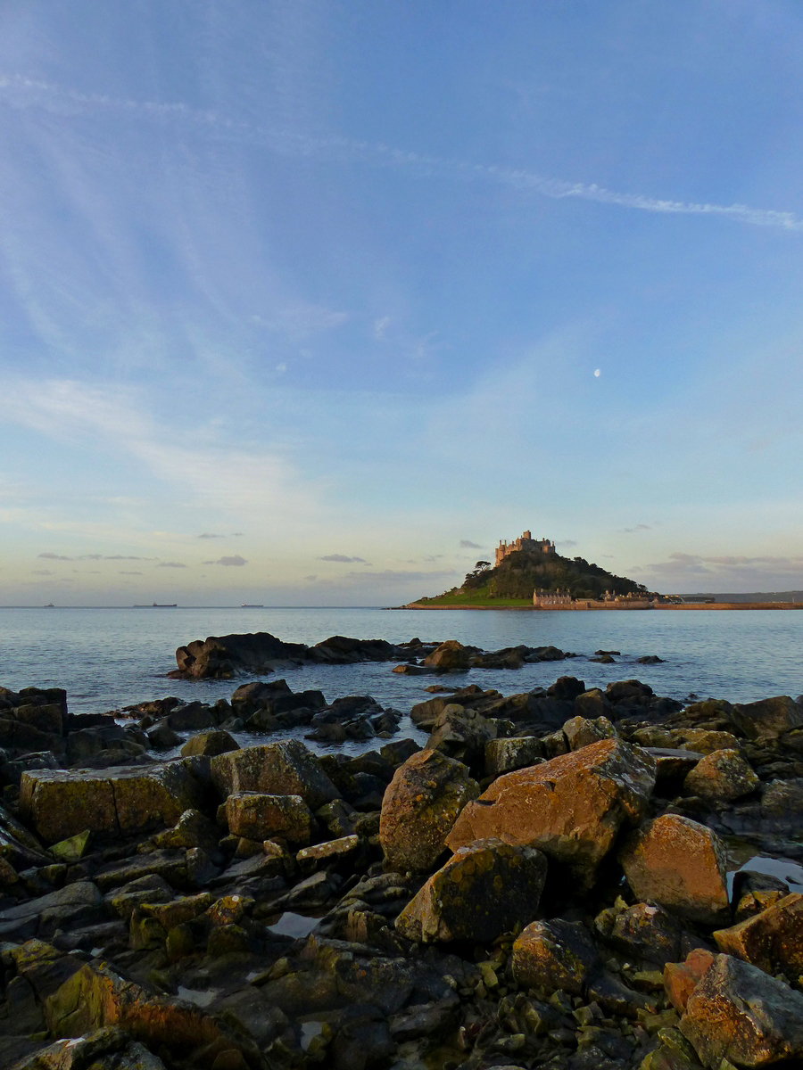 2-St-Michaels-Mount-morning---South-West-Coast-Path