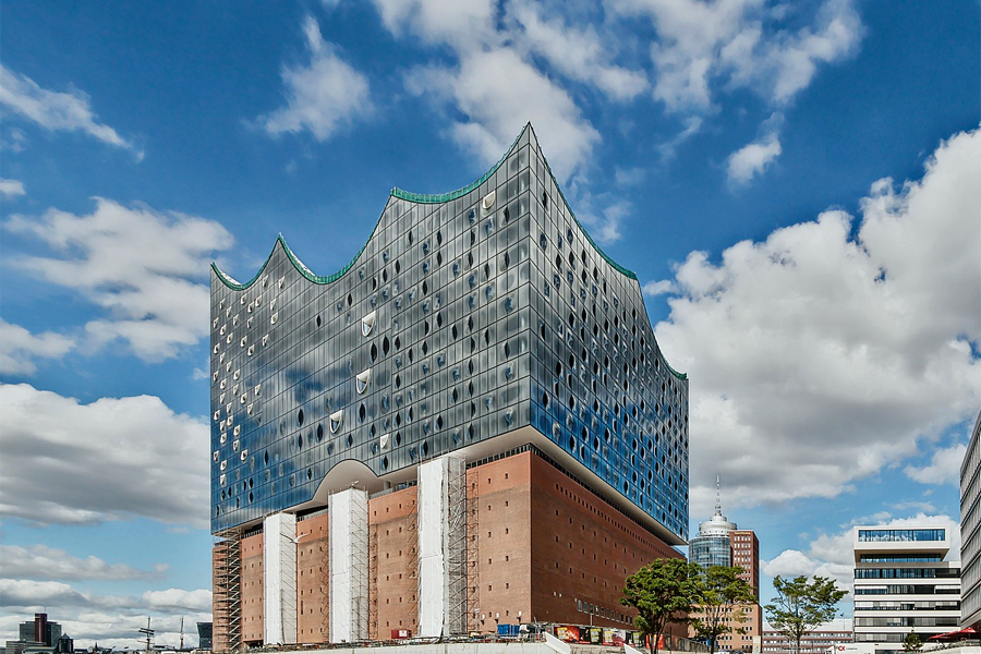 Hamburg-Elbe-Philharmonic-Hall,-Canon-EOS-70d,-Max-Pixel