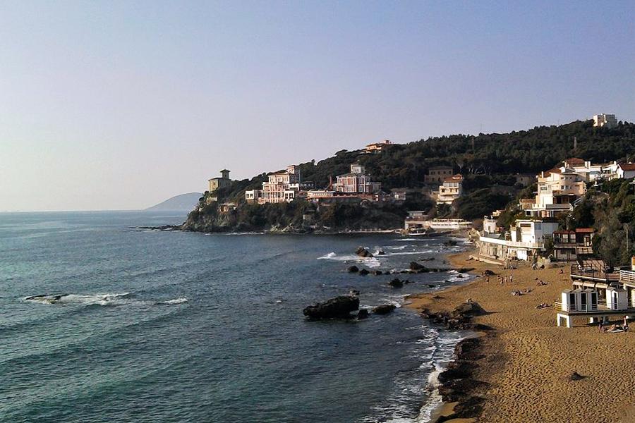 Toscaanse-kust,-Castiglioncello,-Etienne-(Li),-Wikimedia