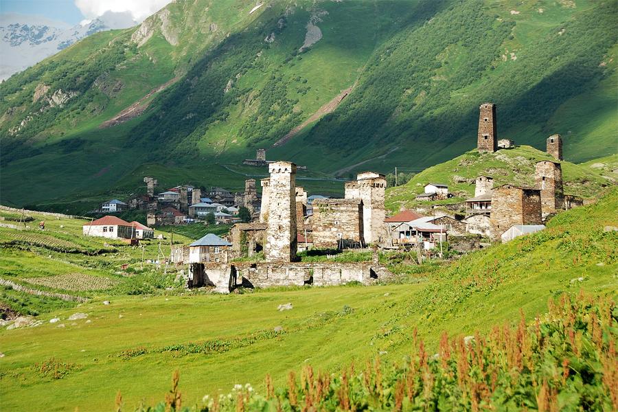 Ushguli-Svaneti,-Florian-Pinel,-Wikimedia
