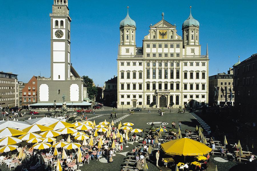 Het Raadhuisplein in Augsburg