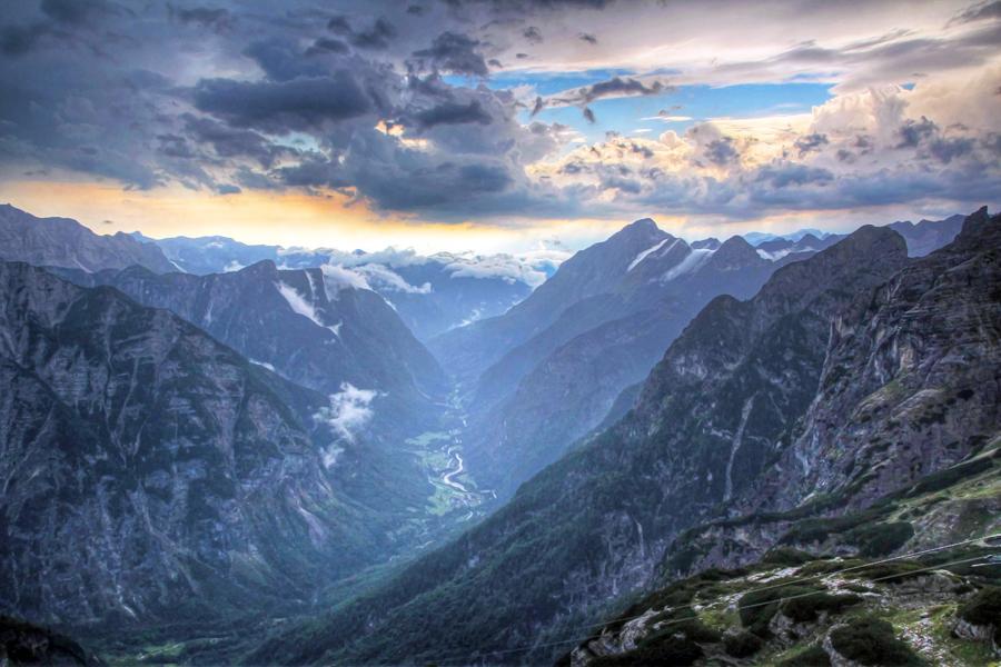Dag-4-Uitzicht-berghut-op-Trenta-vallei