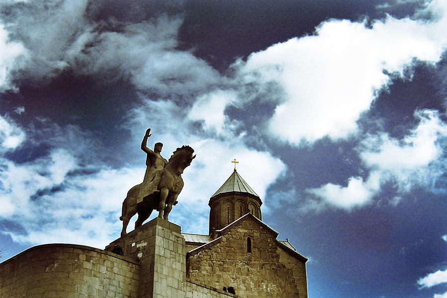 de 800 jaar oudenMetekhi kerk, foto: Mikheil Samkharadze, Flickr