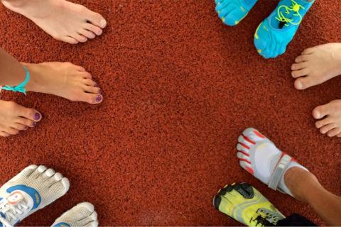 Wandelen en hardlopen op blote voeten, wat zit daar achter?