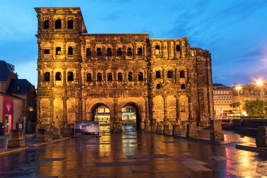 De Romeinse stadspoort in Trier, foto: Connie_sf, Pixabay
