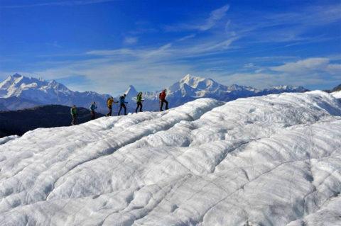 Zomers wandelen over de Zwitserse sneeuwgigant: Aletsch-gletsjer
