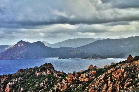 Wandelen door het fascinerende kustlandschap van Corsica