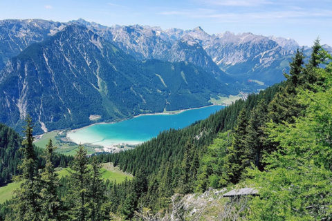 De Achensee, 500km wandelroutes rond kraakhelder meer in Tirol