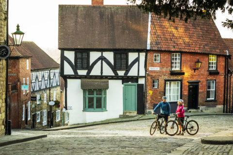 Fietsen door en rond de historische kathedraalstad Lincoln, Engeland