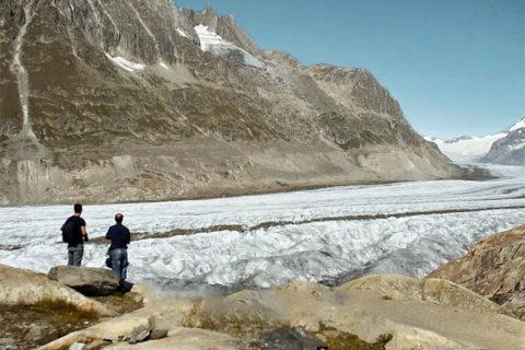 Zomerse wandeling langs de langste gletsjer van de Alpen: de Aletschgletsjer