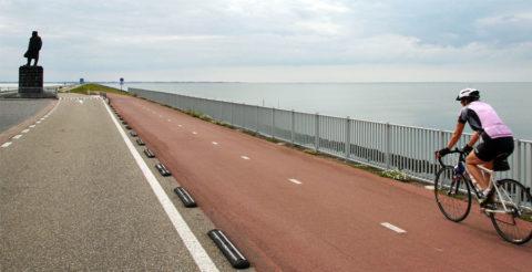 Afsluitdijk afgesloten voor fietsers, maar ons 'Rondje IJsselmeer' gaat gewoon door.