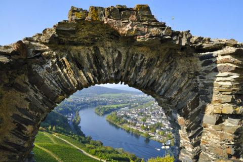 Wandelvakantie Moezel rond historisch Bernkastel-Kues