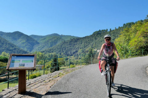 Fietsroute 'La Dolce Via' kronkelt mee langs de rivieren van de Ardèche