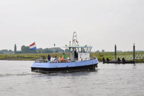 Verkoeling tijdens een afwisselende pontjestocht langs de IJssel