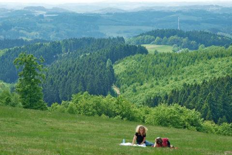 Door heuvels en dalen van het 'Bergisches Land': onbekend, authentiek en dichtbij