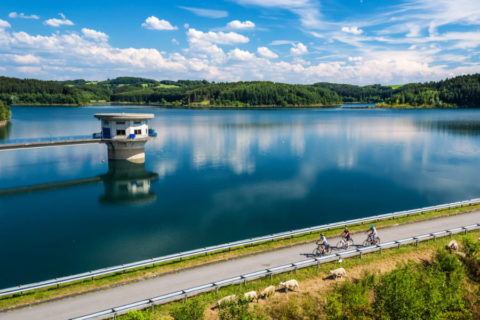 Dichtbij over oude spoorlijnen langs de mooiste panorama's van Bergisches Land