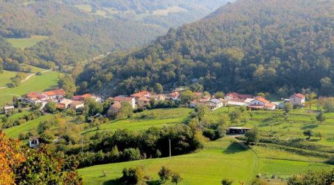 Wandelen door de wijnheuvels van Slovenië naar de Italiaanse kust