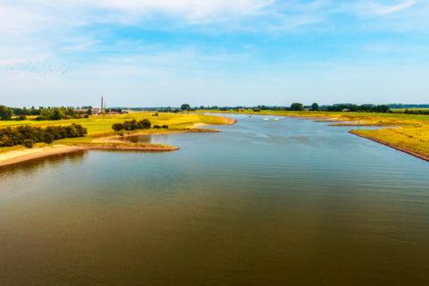 Fiets-vaarvakantie door Nederlands rivierenlandschap