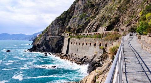 Liefdespad Via dell' Amore aan de Italiaanse kust Cinque Terre